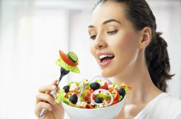 野菜の値段が高いときのサラダ